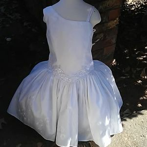 Flower girl dress size 7 year old